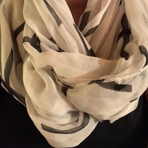 Accessories - Black & White cross scarf | Wrap